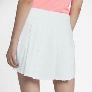 Nike Shorts - NWT! Nike Dri-Fit Golf Skort Pleated Back